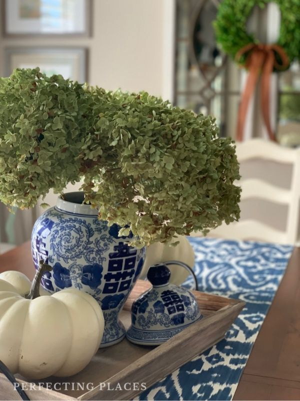 Fall Home Tour by Perfecting Places -- Fall Table