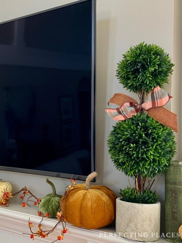 Fall Home Tour -- Mantel Decor