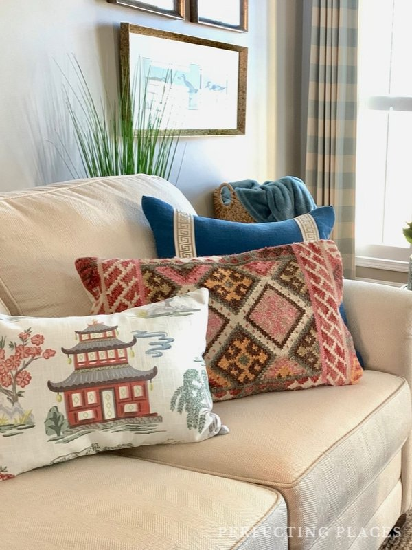 Fall Home Tour -- Fall Throw Pillows